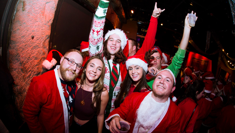 Santa Bar & Nightclub Crawl w/ 3 drinks!